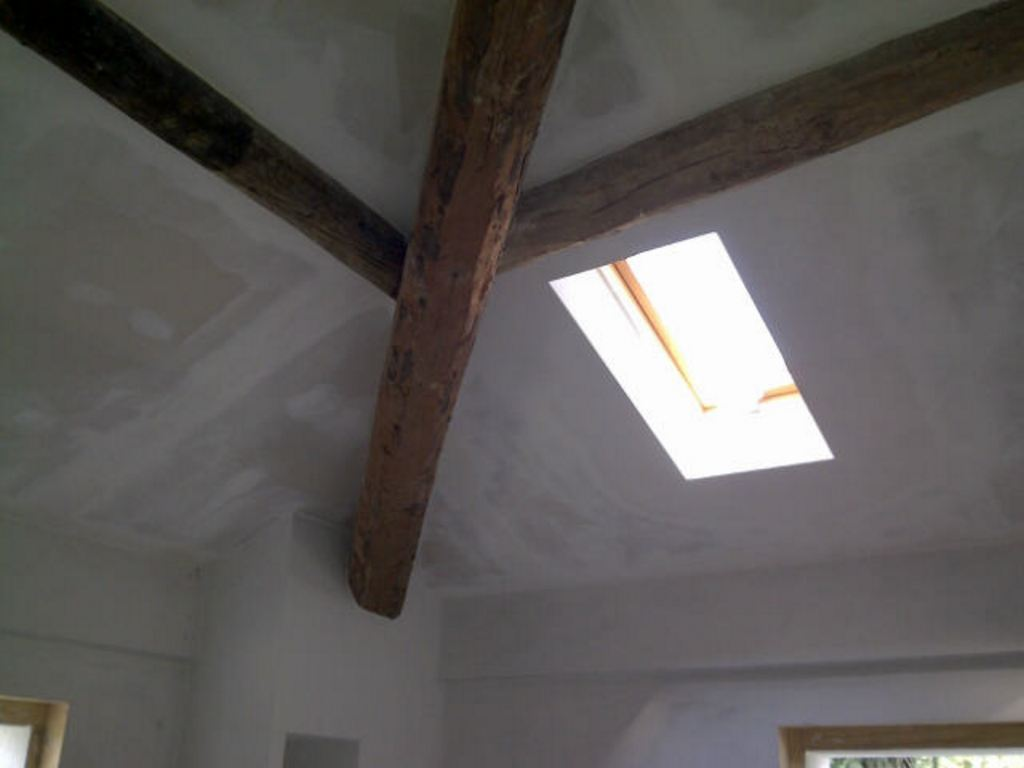 good con travi in legno camere da letto con travi a with travi in legno per soffitto